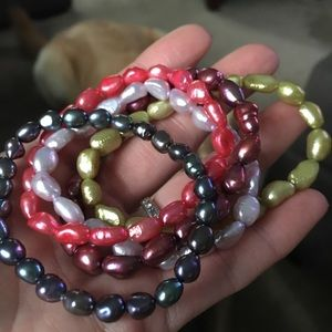 Set of 5 Freshwater Pearl stretch bracelets